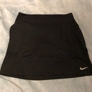 gorgeous nike tennis skirt WITH POCKETS!!! NWOT
